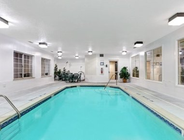 Super 8 Smithfield Hotel - Pool