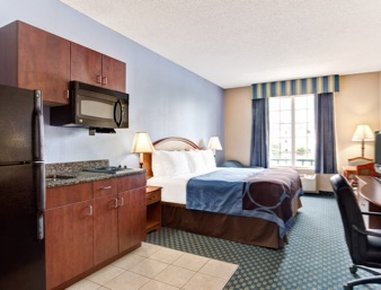 Super 8 Smithfield Hotel - One Queen Bed Room