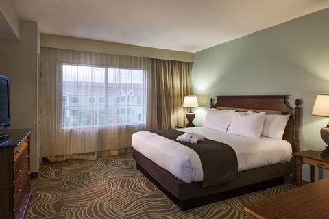DoubleTree Suites by Hilton Naples - DoubleTree Naples - King Suite