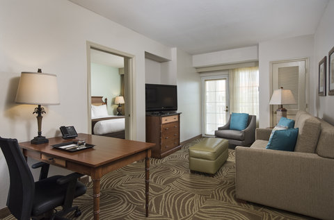 DoubleTree Suites by Hilton Naples - DoubleTree Naples