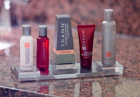 Atlanta Marriott Century Center/Emory Area - Guest Bathroom Amenities