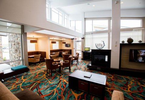 Residence Inn Omaha West - Lobby