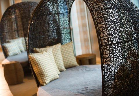 Renaissance Tampa International Plaza Hotel - Lobby - Sitting Area