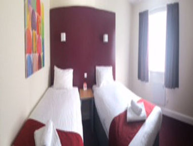 Days Inn Maidstone - Two Twin Bed Room