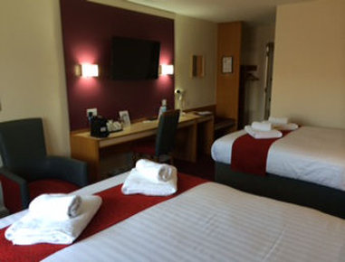 Days Inn Maidstone - Two Double Bed Room