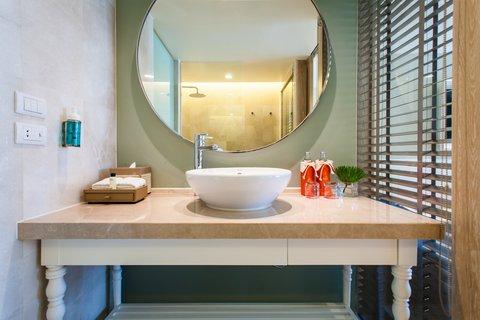 Amari Hua Hin - Bathroom