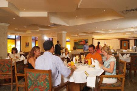 بيل اير أزور ريزورت (للبالغين فقط) - restaurant