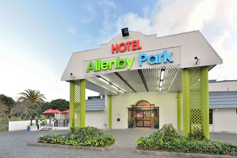 Allenby Park Hotel - Front View