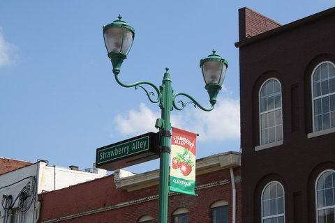 Country Inn & Suites By Carlson, Clarksville, TN - Strawberry Alley -Downtown