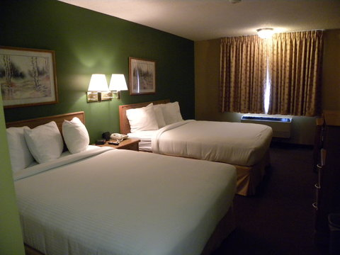 New Victorian Inn and Suites Kearney NE - Guest room