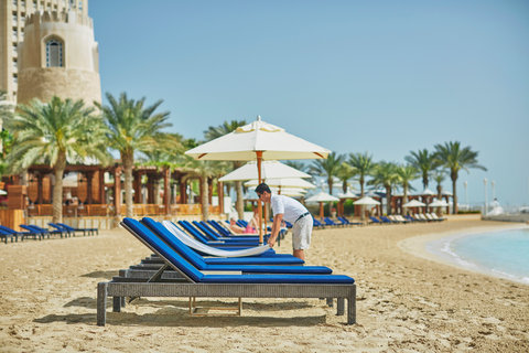 فندق فور سيزن  - Beach