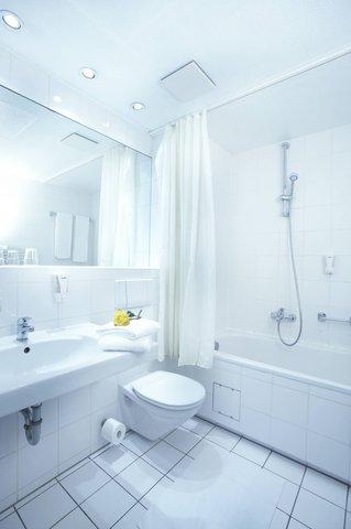 Nordic Hotel Domicil - Bathroom