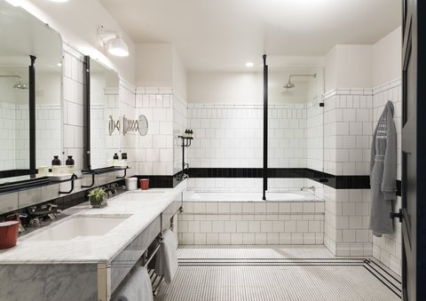 Chicago Athletic Association - Bathroom