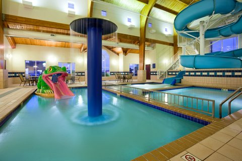 Holiday Inn Express & Suites ABERDEEN - Swimming Pool