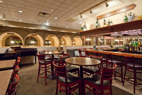 Holiday Inn Cleveland-Mayfield Hotel - Bar and Lounge