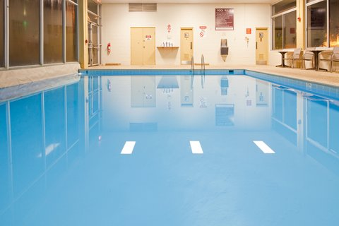 Holiday Inn Cleveland-Mayfield Hotel - Swimming Pool