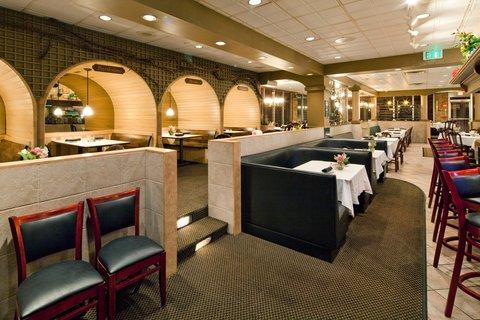 Holiday Inn Cleveland-Mayfield Hotel - Restaurant