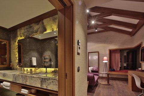Ariana Sustainable Luxury Lodge - AJALoft Suite