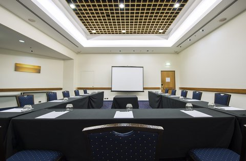 Hilton Darwin - Ambassador Room Front