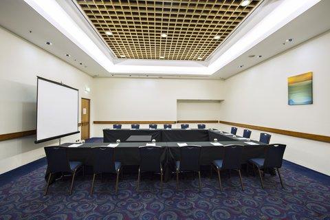 Hilton Darwin - Ambassador Room Side