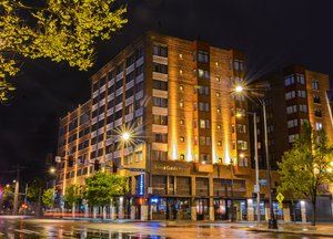 Hotels Near Showbox Sodo Seattle