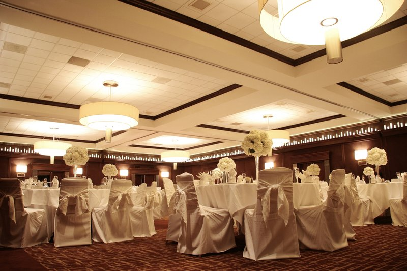 Hotels With Banquet Rooms In Milwaukee