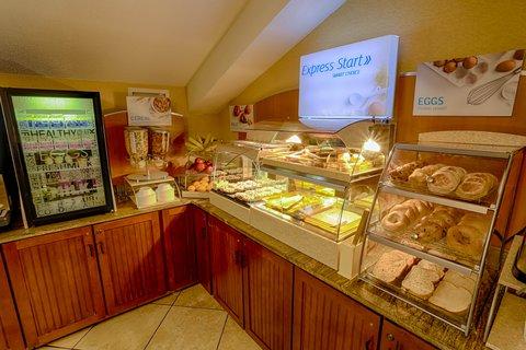 Holiday Inn Express BEMIDJI - Express Start Breakfast