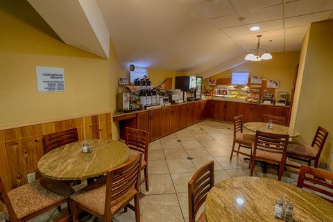 Holiday Inn Express BEMIDJI - Express Start Breakfast Bar