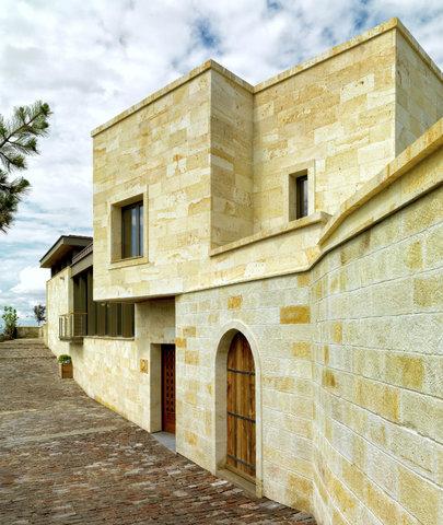 Ariana Sustainable Luxury Lodge - Building