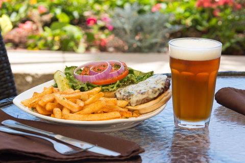 Holiday Inn Resort DAYTONA BEACH OCEANFRONT - Tasty signature burgers and ice cold beer