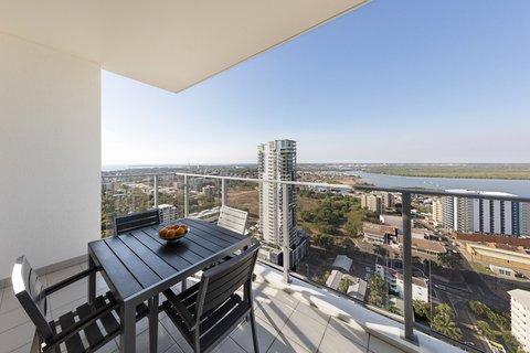 Elan Soho Suites - Elan Darwin Bed Harbour View Balcony