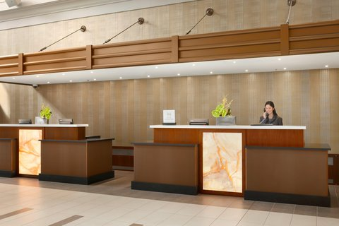 Embassy Suites Chicago - Downtown - Front Desk