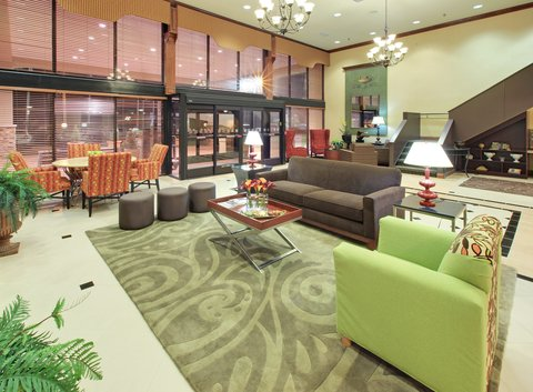 Holiday Inn Blytheville Hotel - Hotel Lobby