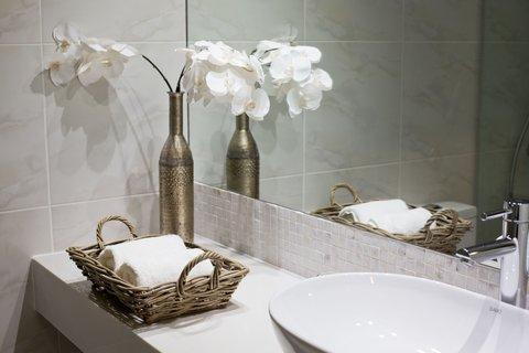 Sugar Bay Barbados - Modern Bathroom