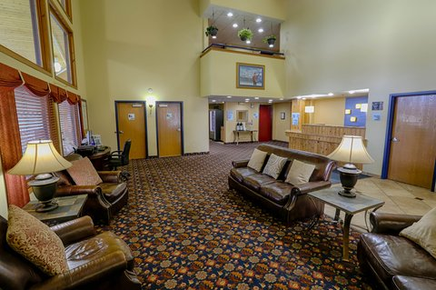 Holiday Inn Express BEMIDJI - Our spacious yet cozy lobby is a great place to gather