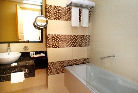 Copthorne Sharjah - Room Bathroom