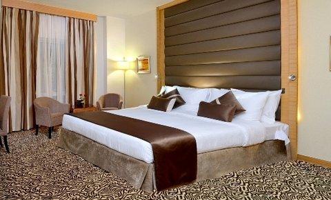 Copthorne Sharjah - Superior Room King Bed