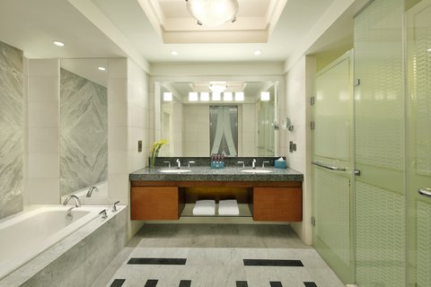 The Nile Ritz-Carlton, Cairo - Presidential Suite Bathroom