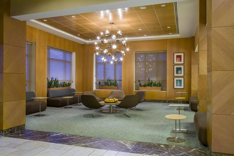 DoubleTree by Hilton Chicago - Arlington Heights - Lobby