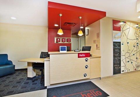 TownePlace Suites Republic Airport Long Island/Farmingdale - Front Desk