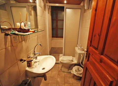 Jerusalem Hotel - Bathroom Copy