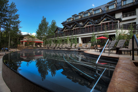 Vail Cascade Resort and Spa - Vail Cascade Exterior Summer Pool