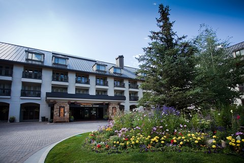 Vail Cascade Resort and Spa - Vail Cascade Exterior Summer Entrance