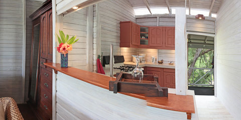 Sea U Guest House - Top Floor Apartment Kitchen
