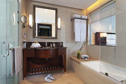 Moevenpick Resort Cairo-Pyramids - Deluxe Bathroom
