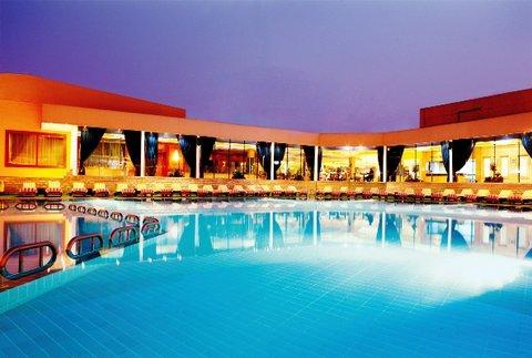 Moevenpick Resort Cairo-Pyramids - Pool2