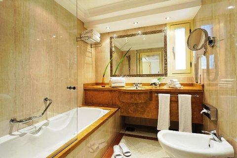 Moevenpick Resort Cairo-Pyramids - Classic Bathroom