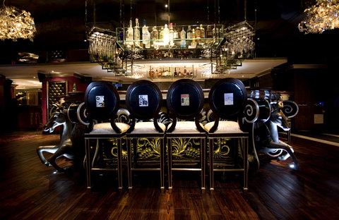 ذه لوكس مانور - Bar Table  M