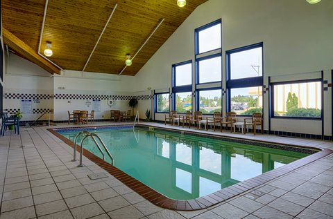 Holiday Inn Express BEMIDJI - Our pool area is a great place to hang out with family and friends