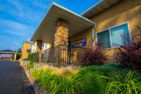 Holiday Inn Express BEMIDJI - Conference Center features and exterior entrance w  ramp access